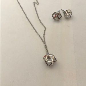 Beautiful Diamond Necklace and Earring Set!